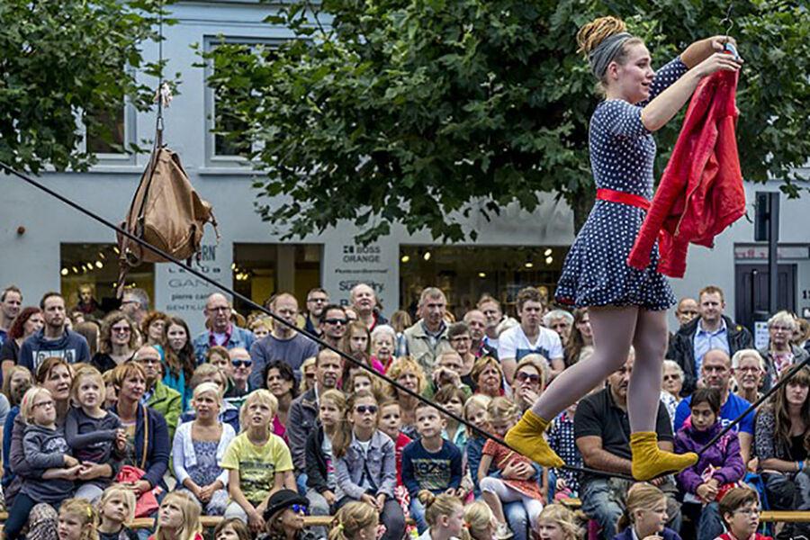 Bornholms Internationale Gadeteaterfestival 2021: Hang loose